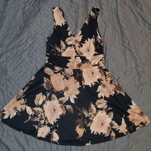 Snap   FLORAL DRESS